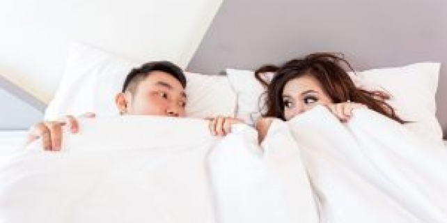 Who Wins The Sleep Battle of The Sexes?