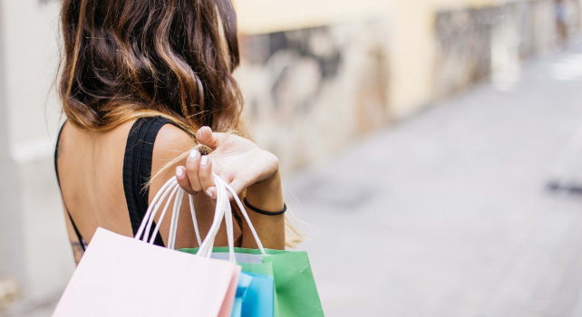 Are You a Compulsive Shopper? Signs and Solutions